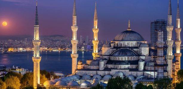 الجو في اسطنبول في شهر اغسطس